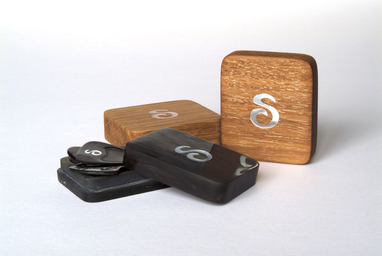 Beautiful Guitar Pick Boxes • Precious Tonewoods & Buffalo Horn • Custom Plectrums