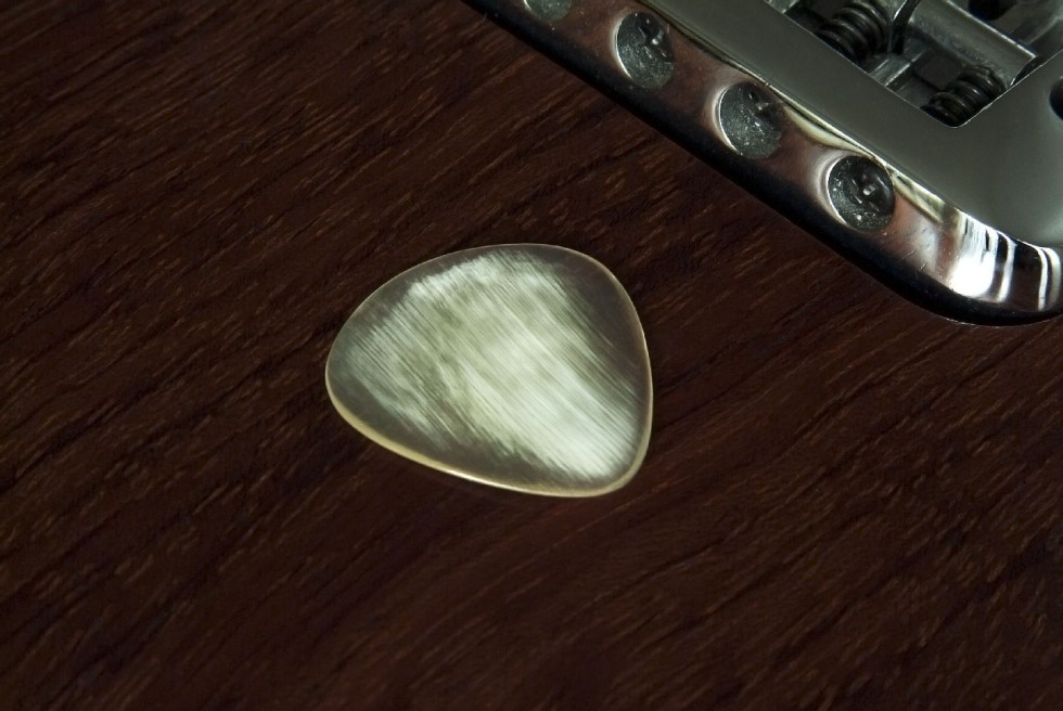 Cow Horn Guitar Pick • Sweep Picking 'Shredders Delight'