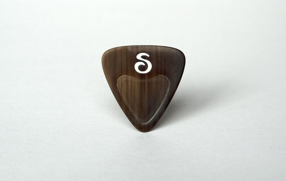 Stadler Picks • Accoustic Guitar Pick • Sounds like tortoise • Feels like Turtle shell